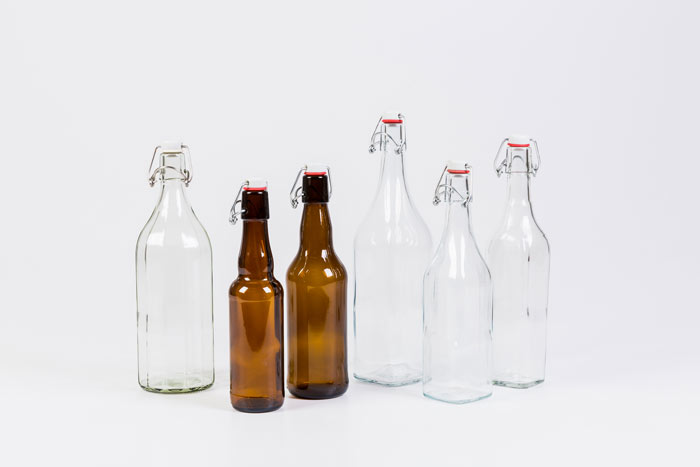 Valik klambriga pudeleid